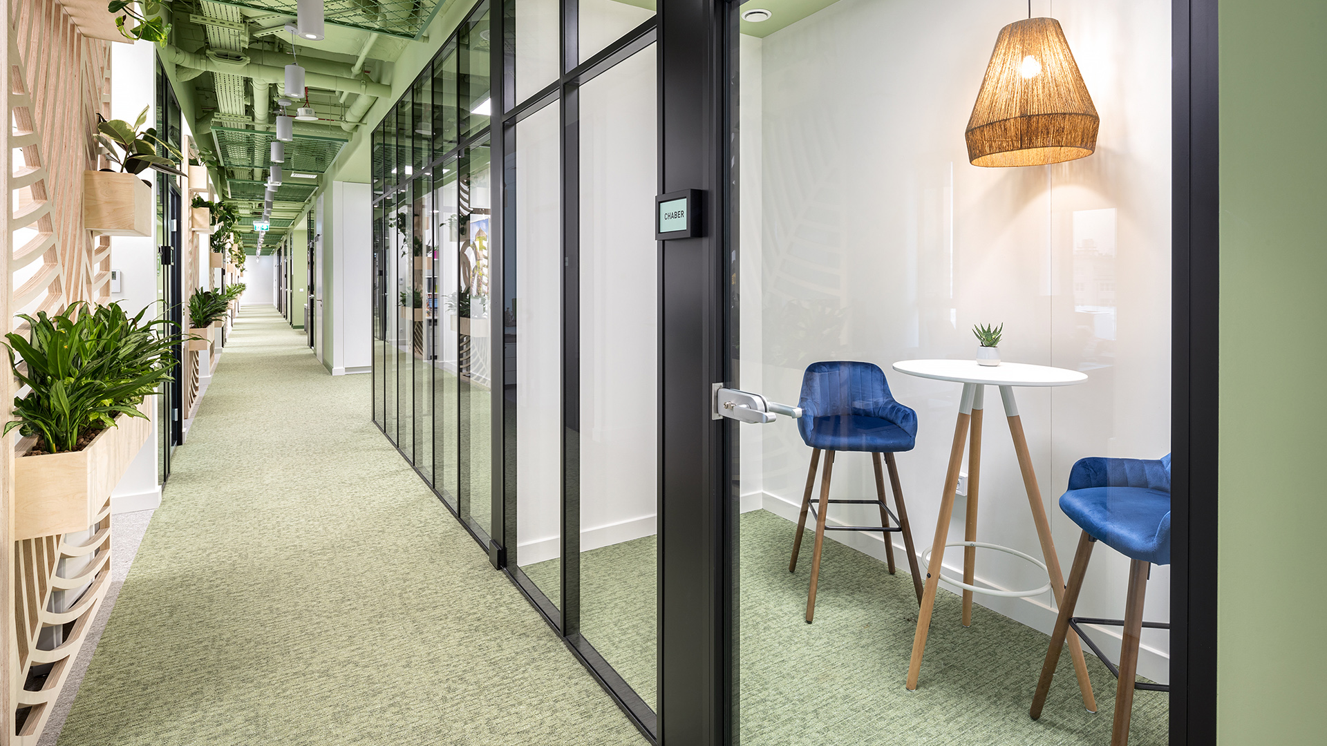 One on one meeting rooms